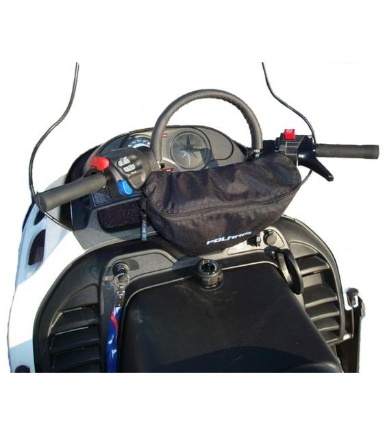 Универсальная сумка на руль снегохода.  Отлично подходит для хранения навигатора или телефона.